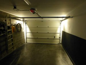 automatische verlichting in garage met sectionale poort